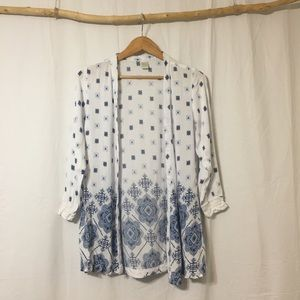 Kimono Top with lace cuffs